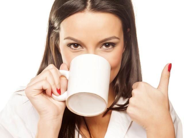 Кофе не повышает давление и не приводит к заболеванию гипертонией