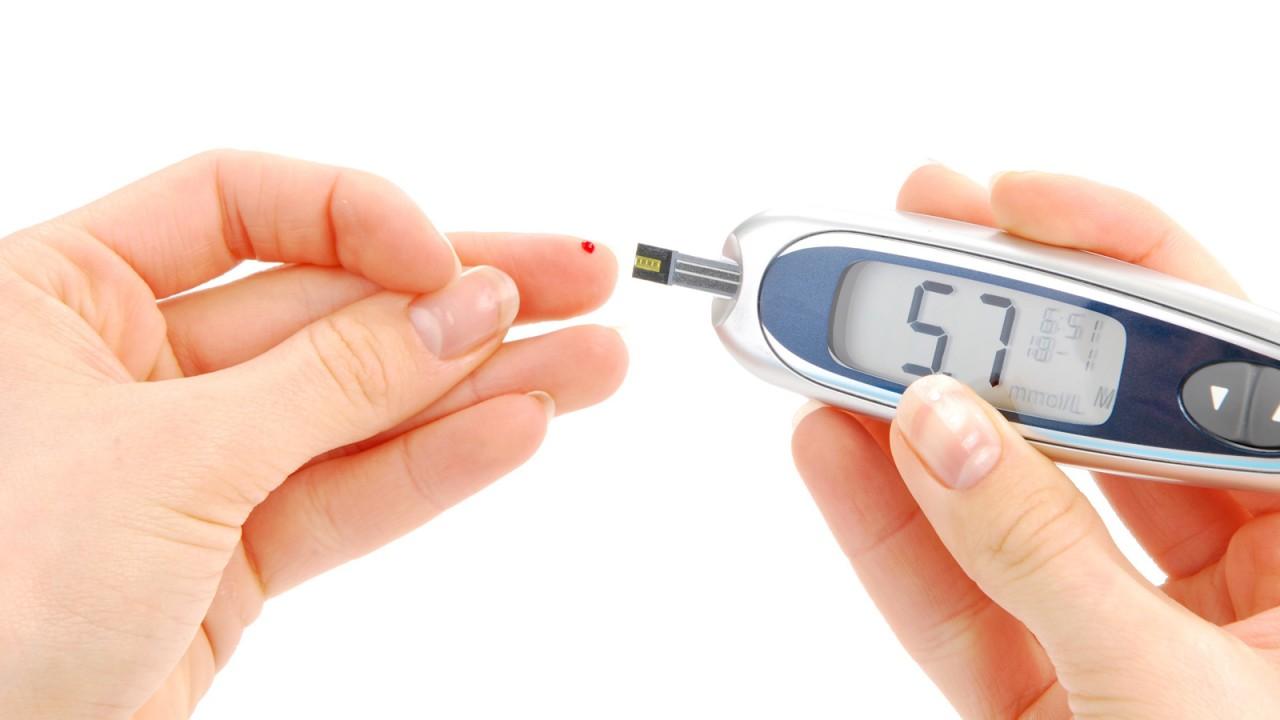 симптомы сахарного диабета, жажда, набор веса, можно ли при сахарном диабете виноград, питание при сахарном диабете, что делать чтобы узнать,